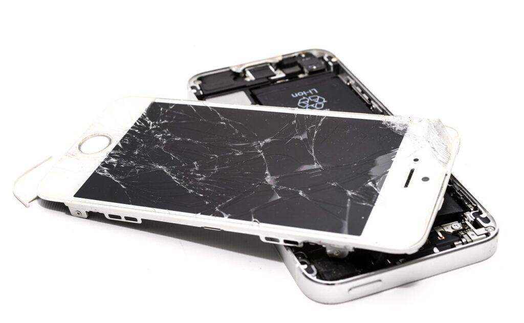 Czy samodzielna wymiana ekranu w telefonie jest możliwa (2)