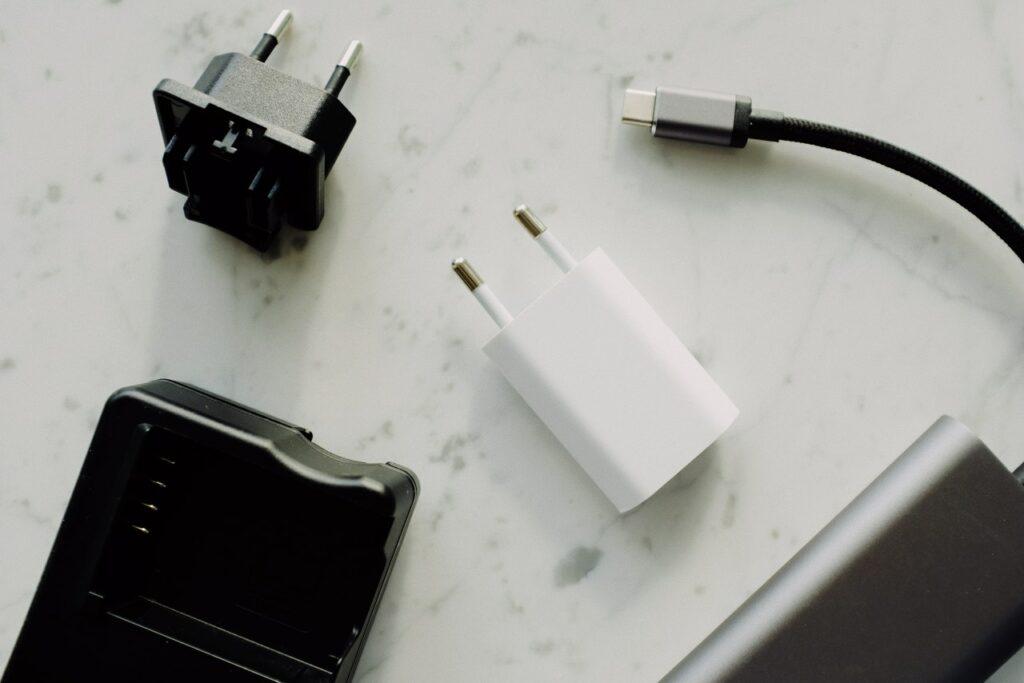 Jak najczęściej powstają usterki gniazda do ładowania USB?